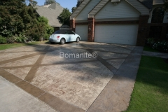 Heritage Bomanite uses Bomanite Bomacron Textured and Pattern Imprinted Concrete distinguishing this driveway from the rest.