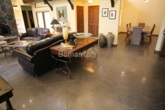 Bomanite Custom Polishing Patene Teres gives this residence added beauty and distinction by Heritage Bomanite.